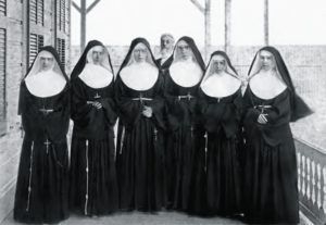 Mother Marianne Cope and Sisters of St. Francis in Honlulu at Ka'koako